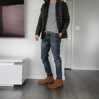 Comment porter des bottes de loisirs en daim marron: Pour une tenue de tous les jours pleine de caractère et de personnalité marie une veste style militaire vert foncé avec un jean gris foncé. Apportez une touche d'élégance à votre tenue avec une paire de bottes de loisirs en daim marron.