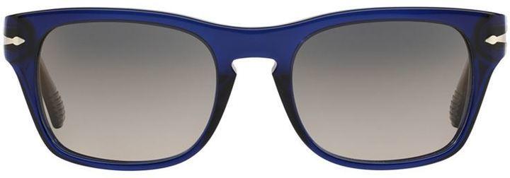 Lunettes de soleil bleu marine Persol, €184   farfetch.com ... 70e418d4efdc