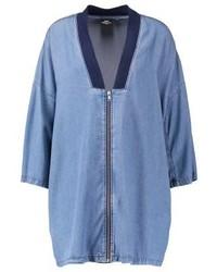 Manteau bleu clair