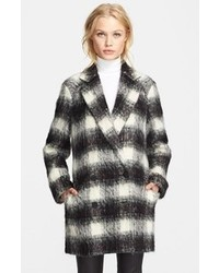 Manteau écossais noir et blanc