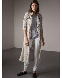 Manteau en dentelle gris
