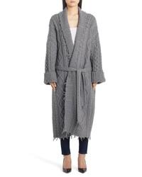 Manteau en tricot gris