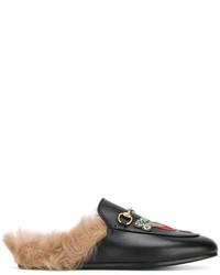 Mules brodées noires Gucci