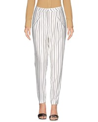 Pantalon carotte à rayures verticales blanc et noir