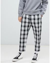 Pantalon chino à carreaux blanc et noir Bershka