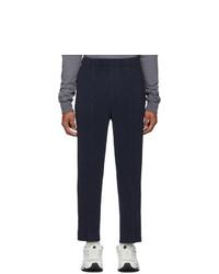 Pantalon chino bleu marine Homme Plissé Issey Miyake