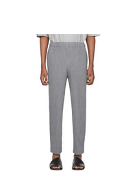 Pantalon chino en laine gris Homme Plissé Issey Miyake