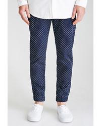 Pantalon de costume á pois bleu marine et blanc