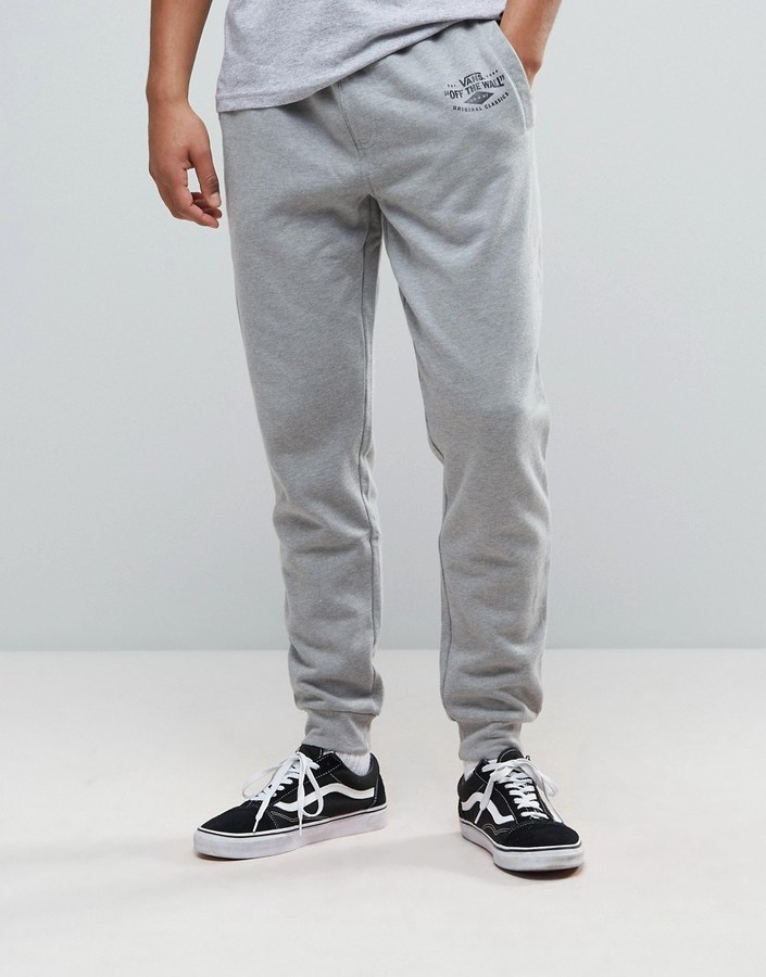 impactful outfits with joggers and vans men