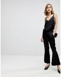 Pantalon flare noir Résumé