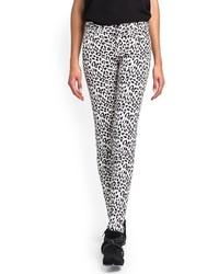Pantalon slim imprimé léopard blanc et noir