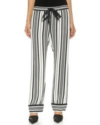 Pantalon style pyjama à rayures verticales blanc et noir L'Agence