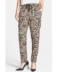 Pantalon style pyjama imprimé léopard beige