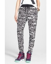Pantalon style pyjama imprimé noir et blanc