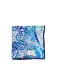 Pochette de costume à fleurs bleu clair