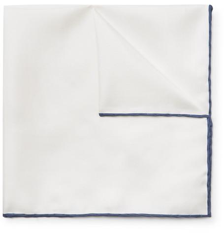 Pochette de costume blanche Emma Willis
