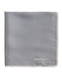 Pochette de costume en soie gris foncé