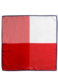 Pochette de costume en soie rouge