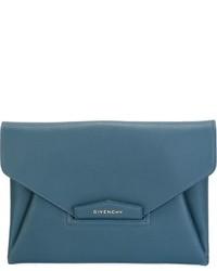 Pochette en cuir bleue canard Givenchy