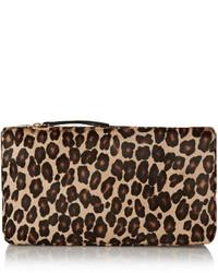 Pochette en daim imprimée léopard beige Tamara Mellon