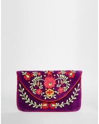Pochette en velours brodée violette Moyna