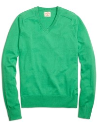 Pull à col en v vert