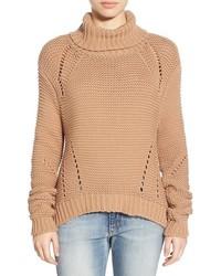 Pull à col roulé en tricot marron clair