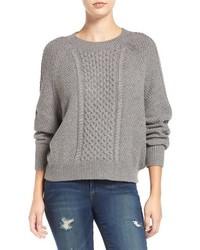 Pull torsadé en tricot gris