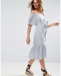 Robe à épaules dénudées à rayures verticales gris Asos