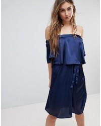 Robe à épaules dénudées bleu marine Blend She