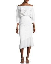 Robe à épaules dénudées en broderie anglaise blanc