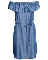 Robe à épaules dénudées en denim bleu clair