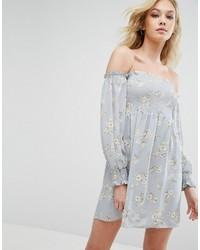 Robe à épaules dénudées en denim imprimé bleu clair Missguided