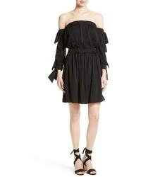 Robe à épaules dénudées en soie noir