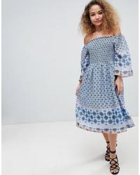 Robe à épaules dénudées imprimé bleu clair En Creme