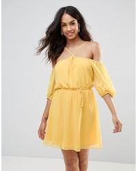 Robe à épaules dénudées jaune BCBG MaxAzria