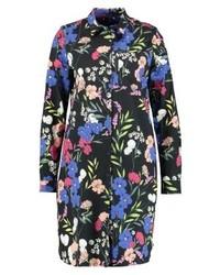 Robe chemise à fleurs noire Expresso