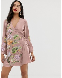 Robe de cocktail en satin brodée rose ASOS DESIGN
