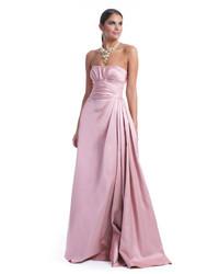 Robe de soirée en satin rose