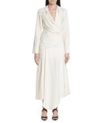 Robe drapée en lin blanche