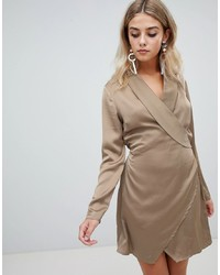 Robe drapée en satin marron clair Missguided