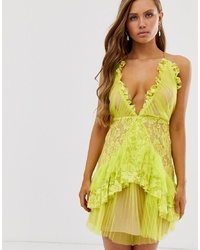 Robe droite en dentelle jaune Collective The Label
