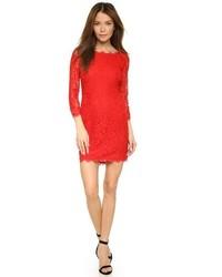 Robe fourreau en dentelle rouge Diane von Furstenberg