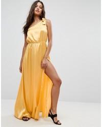 Robe longue en satin jaune