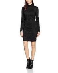 Robe noire Versace