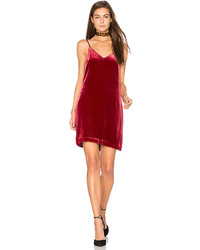 Robe nuisette en velours rouge