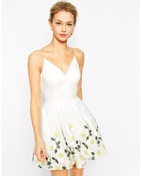Robe patineuse à fleurs blanche