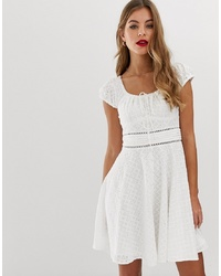 Robe patineuse blanche Forever New