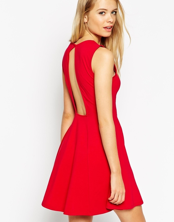 Asos robes patineuse for Robe de noel rouge