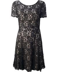 Robe patineuse en dentelle noire Diane von Furstenberg